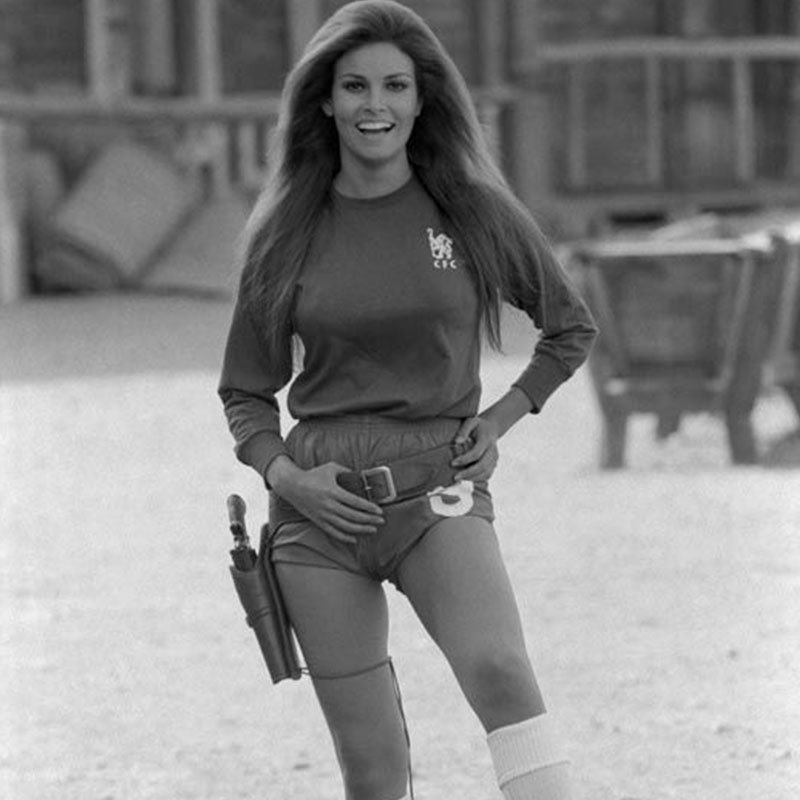 Terry ONeill Raquel Welch Peter Osgoods Chelsea Strip London 1971 featured