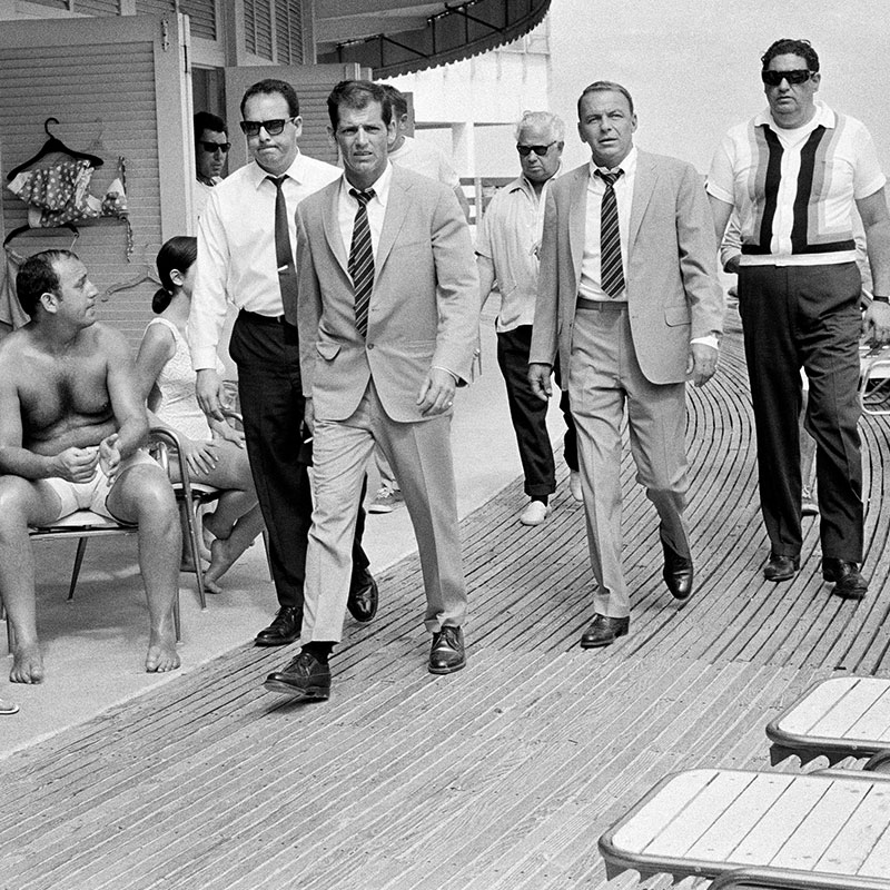 Terry ONeill Sinatra on the boardwalk Miami 1968 1