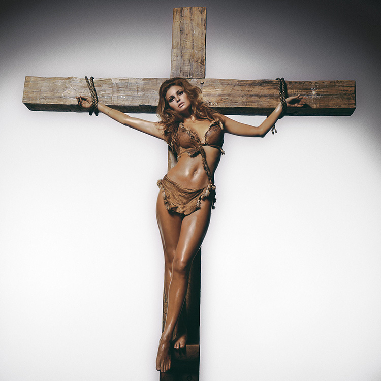 Terry ONeill Raquel Welch on the Cross Los Angeles 1970