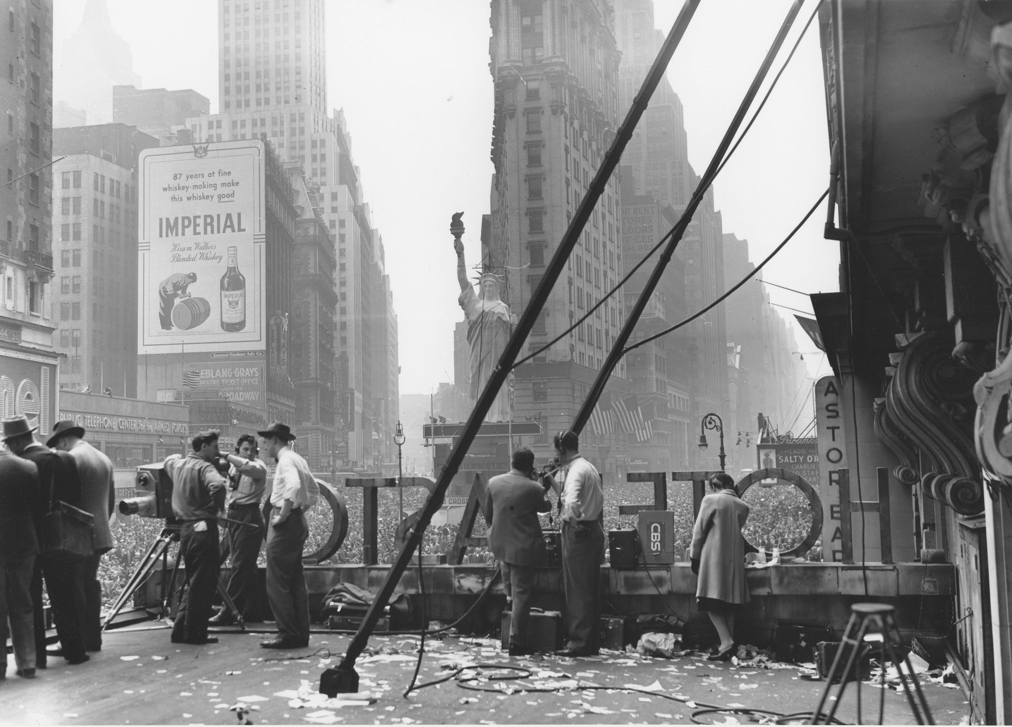 Ruth Orkin VE Day Times Square New York City 1945